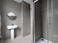 106 Club Garden - bathroom 1. copy.jpg