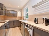 106 Club Garden - kitchen...jpg