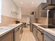 106 Club Garden - kitchen....jpg