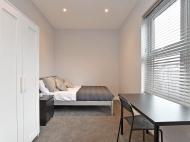 106 CGR - bed 2.jpg