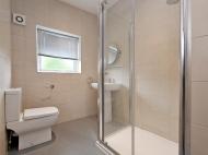 38 Hobart Street - bathroom 2.jpg