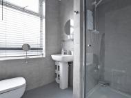 97 Club Garden - bathroom .jpg